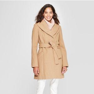 Jackets & Blazers - Tan wool coat in S